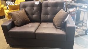 Brand new brown love seat for Sale in NC, US