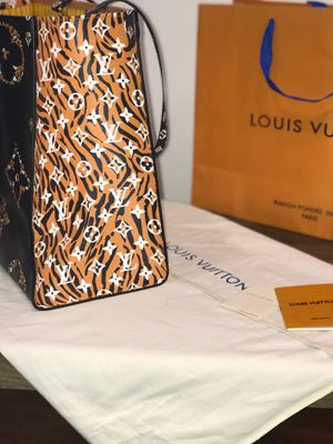 Authentic Louis Vuitton On The Go Bag for Sale in Atlanta, GA