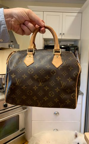 Louis Vuitton hand bag barely used for Sale in Wrentham, MA