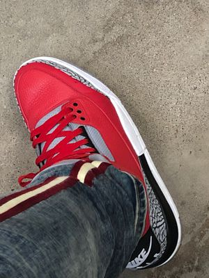 Jordan red 3s fresh 9/10 for Sale in Columbus, OH