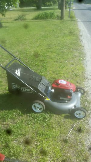 Craftsman lawn mower for Sale in Egg Harbor Township, NJ