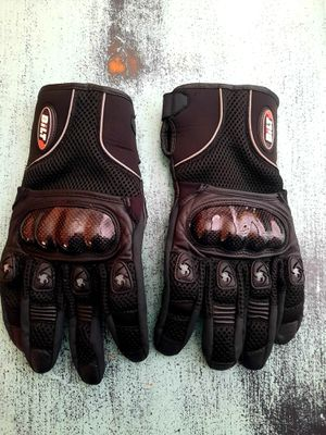 Bilt Motorcycle Gloves for Sale in Manchester, MO