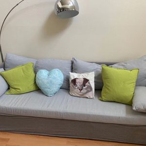 A Beautiful Sofa Good For 3-4people for Sale in Vernon, CA