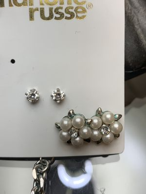 White pearl earrings with diamonds for Sale in Pekin, IL