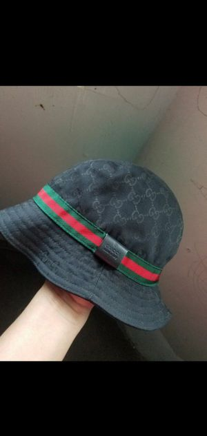 Authentic Gucci Black Canvas Bucket Hat size large for Sale in Chicago, IL