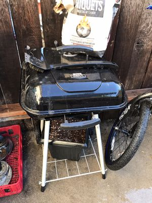 Grill bbq charcoal for Sale in Glendora, CA