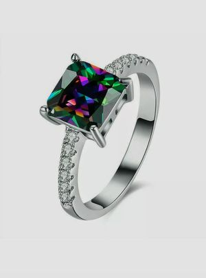 NEW Nuevo Women's Silver Plated Cubic Zirconia Ring Size 7 in Plastic Package for Sale in Modesto, CA