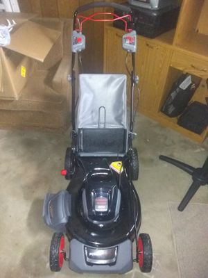 21 inch cordless electric 60v self propelled lawnmower for Sale in Owensville, MO