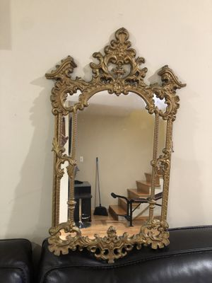 """Beautiful Wall Mirror 29 """"1/2 X 15 for Sale in Des Plaines, IL"""