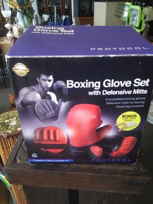 Boxing glove set for Sale in Alcoa, TN