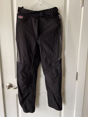 TPG First Gear Motorcycle Pants, teramid with knee protection, waterproof with lining woman's size 6 for Sale in Herndon, VA