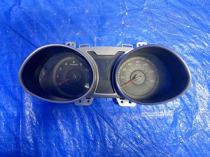Hyundai Veloster Speedometer, Passenger Side Mirror, AC Wings for Sale in Opa-locka, FL