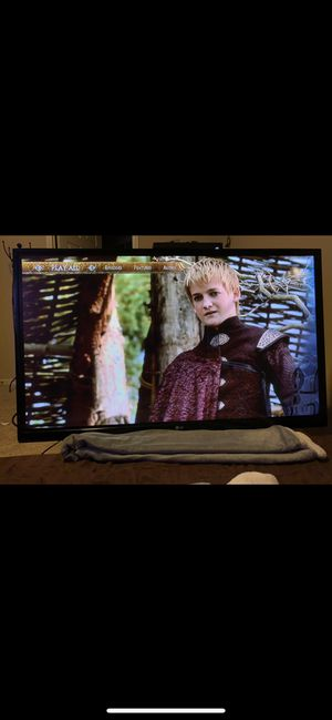 50 inch LG flatscreen Tv with Wall mount for Sale in Grapevine, TX