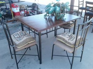 Kitchen table for Sale in Orosi, CA
