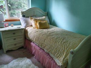 Girl's bedroom set for Sale in Kirkland, WA