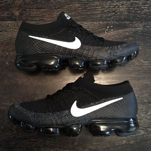 Nike Air Vapormax Flyknit 2 Black and White Men's Size 10 Vapor Max Airmax for Sale in Marion, LA