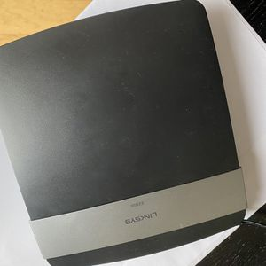 Linksys E 2500 Rounter for Sale in Vallejo, CA