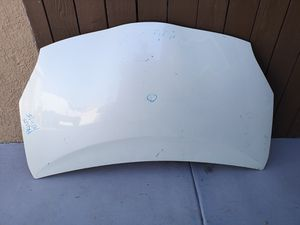 Toyota prius 2010 2011 2012 2013 2014 2015 hood for Sale in Lawndale, CA