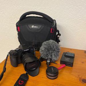 Like-new Panasonic LUMIX G85 4K Video Camera for Sale in Sonoma, CA