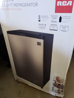 RCA stainless 3.2 cubic ft refrigerator/freezer for Sale in Temecula, CA