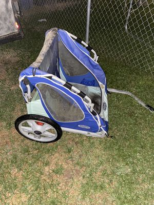 Bike carrier needs a good wash for Sale in Fresno, CA