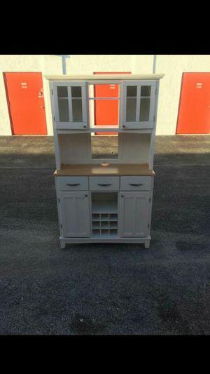 Kitchen cabinet for Sale in Sunrise, FL