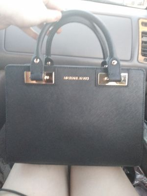 Black Leather Michael Kors Satchel/Purse w/ Shoulder Strap BRAND New for Sale in Chico, CA