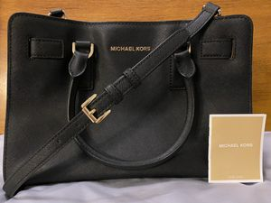 Michael Kors Crossbody for Sale in Charlotte, NC