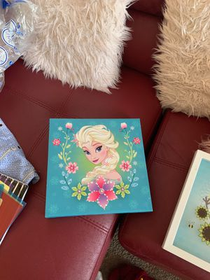 Elsa and olaf wall decorations for Sale in Austin, TX
