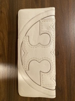 White leather Tory Burch clutch, like new for Sale in Watertown, MA