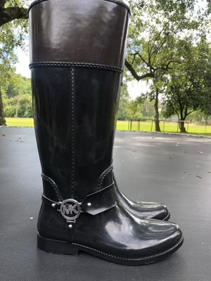 OBO Accept offers Authentic waterproof exterior Michael Kors women tall rain winter boots rubber boots black SZ size 8 for Sale in Destrehan, LA