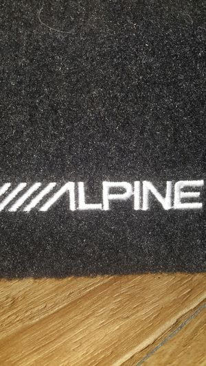 Alpine sub and Amps for Sale in Las Vegas, NV