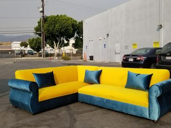 NEW 7X9FT VELVET PEACOCK FABRIC COMBO SECTIONAL COUCHES for Sale in Simi Valley,  CA
