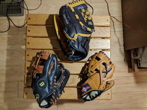 Baseball gloves set of 3 for Sale in Plainfield, IL