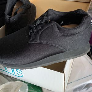 Pedors Orthopedic Shoes For Xtra Wide Or Swollen Feet for Sale in Fresno, CA