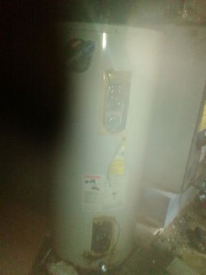 Electric water heater for Sale in Barnhart, MO