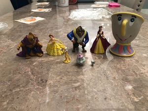 Beauty and the beast cake toppers. Belle, Beast, Ms. Potts, Chip & Lumiére for Sale in Plantation, FL