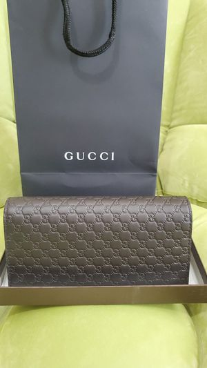 New GUCCI men's wallet microguccissima brown leather wallet w/ID window for Sale in Duluth, GA