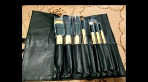 Makeup brush set for Sale in Lakewood, CA