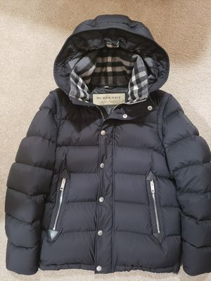 Burberry Detachable-sleeve Down-filled Hooded Puffer Jacket for Sale in Seattle, WA