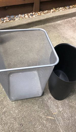 Free small garbage cans for Sale in Castro Valley, CA