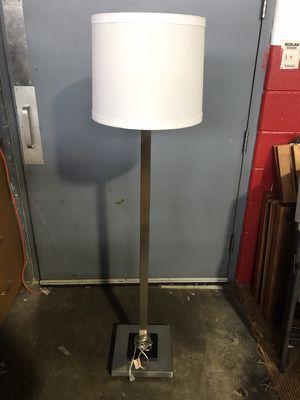 Floor lamp w/ shade for Sale in Detroit, MI