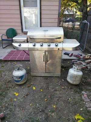 Char-Broil propane BBQ for Sale in Wichita, KS