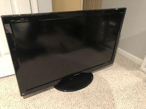 """42"""" Panasonic tc-l42u22 TV for Sale in Stafford, VA"""