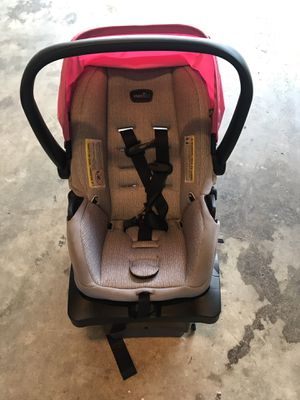 Evenflo car seat for Sale in Douglasville, GA