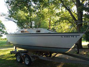 1983 Hunter 22 Sailboat (price reduced) for Sale in Alton, IL