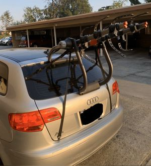 Yakima KingJoe Pro3 - 3 bike rack for Sale in Castro Valley, CA