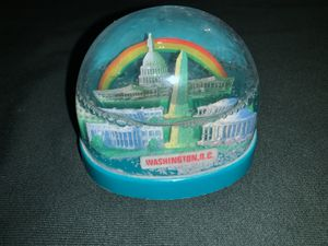 Washington D.C snow globe for Sale in Moreno Valley, CA
