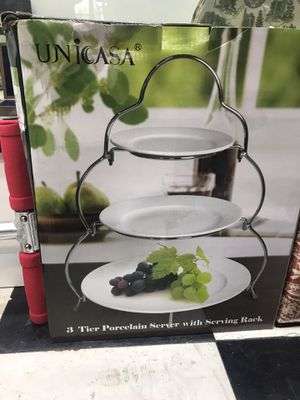 New Ubicada 3 tier porcelain server with serving rack for Sale in Houston, TX