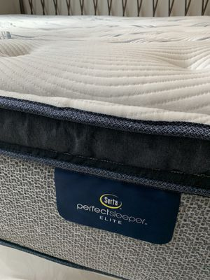 King Size Mattress - Like New 1 Year Old for Sale in Melbourne Village, FL